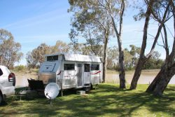 20161115 Camp at Menindee Med