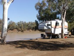 camp-at-welford-on-barcoo-river