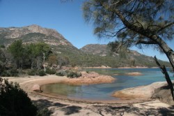 130325 Honeymoon Bay Freycinet NP Med