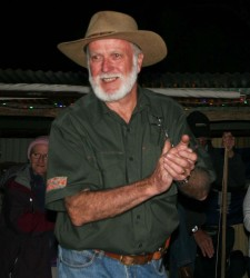 20140705-Quilpie Campfire Host and Cook Ian Med