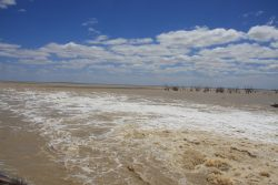 20161114-darling-river-water-filling-lake-menindee-med