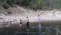 20170406-3940 Playing in Nicholson River Deptford Med