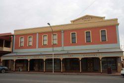 20170716-4034 Broken Hill Regional Art Gallery Med