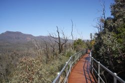 20170822-4312 View from Tara Cave Boardwalk Warrumbungles NP Med